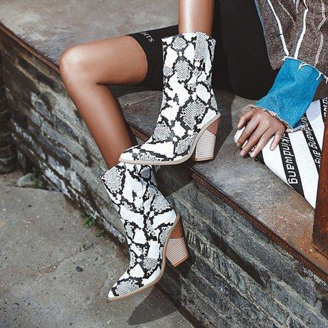 Womens Vintage Plus Size Leather Boots