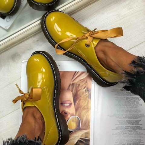 Artificial Leather Low Heel Fall Loafers