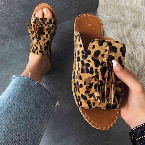 Women Casual Summer Stylish Slip On Flat Sandals