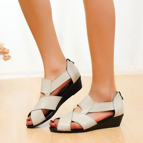Pi Clue Low Heel Date Artificial Leather Sandals