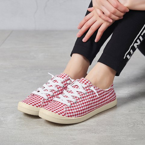 Women Canvas Lace-Up Sneakers