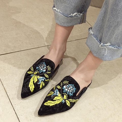 Embroidery Pointed Toe Flat Heel Slippers