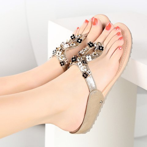 Plus Size Flat Heel Flip-flops Women Beach Sandals
