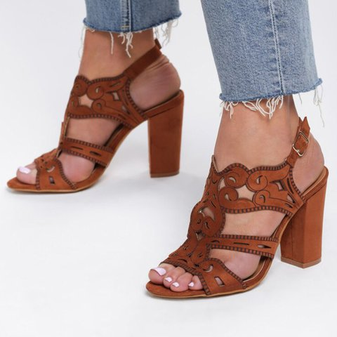 Women Pu Hollow Out Chunky Heel Pu Buckle Casual Sandals