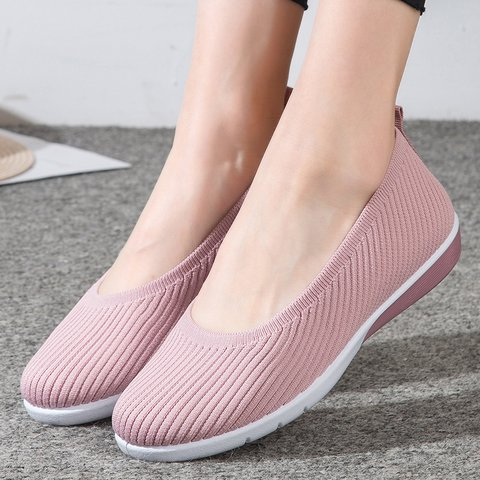 Non-slip Flat Heel Slip-On Fly-Woven Fabric Sneakers