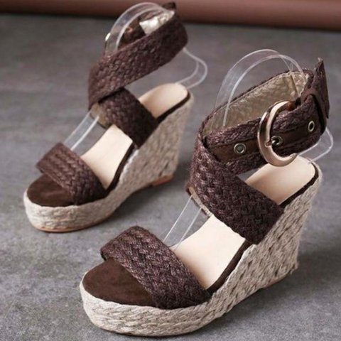 Open-toed grass wedges with platform sandals