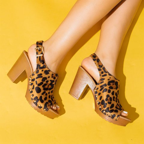 Women Chic Studded Wood Chunky Heels