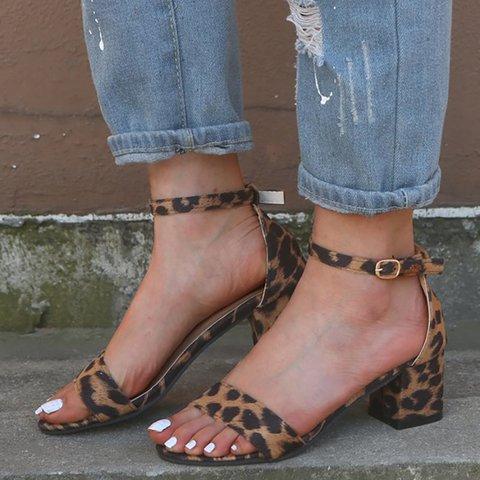 Women Summer Elegant Chunky Heel Buckle Strap Sandals
