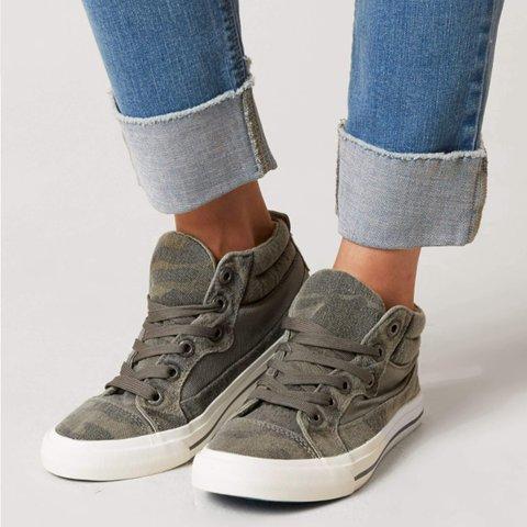 Camouflage Flat Heel Canvas Sneakers
