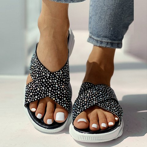 Rhinestone Bear Thick Bottom Non-Slip Casual Beach Slippers