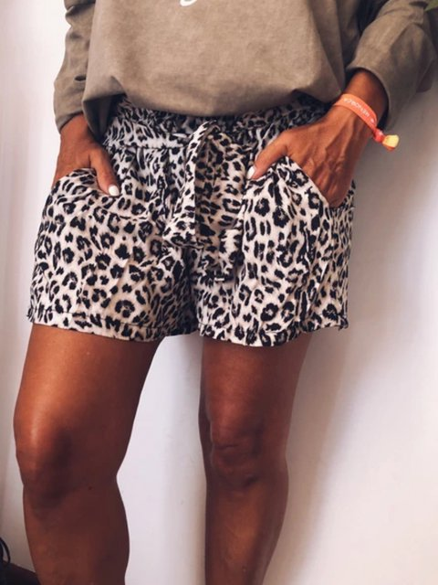 Retro casual fashion shorts