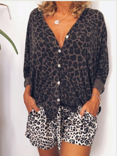 Casual loose leopard print V-neck shirt