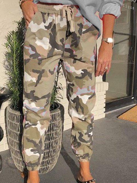 Cameo Printed Casual Pockets Capri Pants