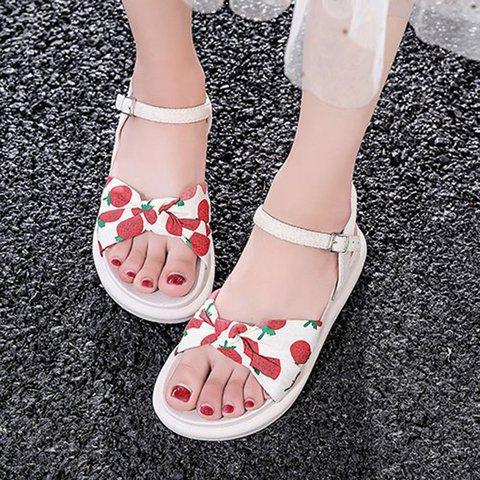 Women PU Buckle Strap Peep Toe Printed Sandals