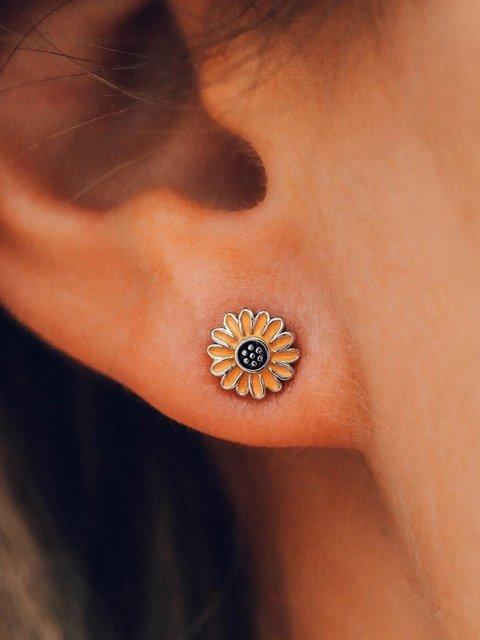 Women Alloy Daisy Earrings