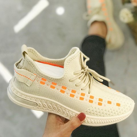 Lace-Up All Season Mesh Round Toe Sneakers