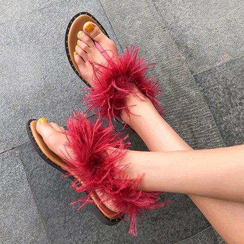 Low Heel Artificial Fur Buckle Strap Casual Thong Sandals