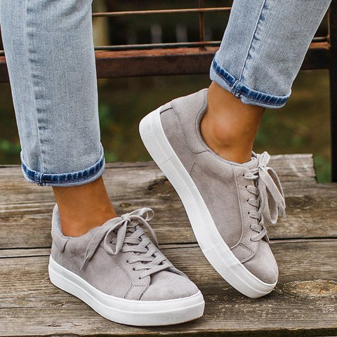 Flat Heel Lace-up Round Toe All Season Sneakers
