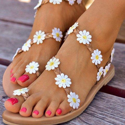White Daily Flat Heel Sandals
