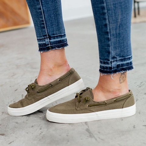 Army Green All Season Outdoor Lace-Up Flat Heel Sneakers
