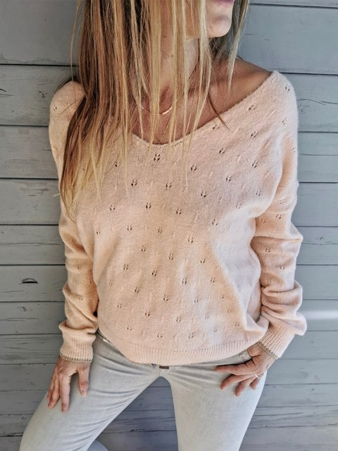 Exquisite long-sleeved V-neck solid color sweater and patterned sweater