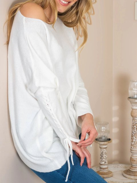 Loose casual sweater with cuff tie