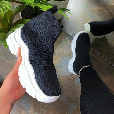 Oversized flying shoes