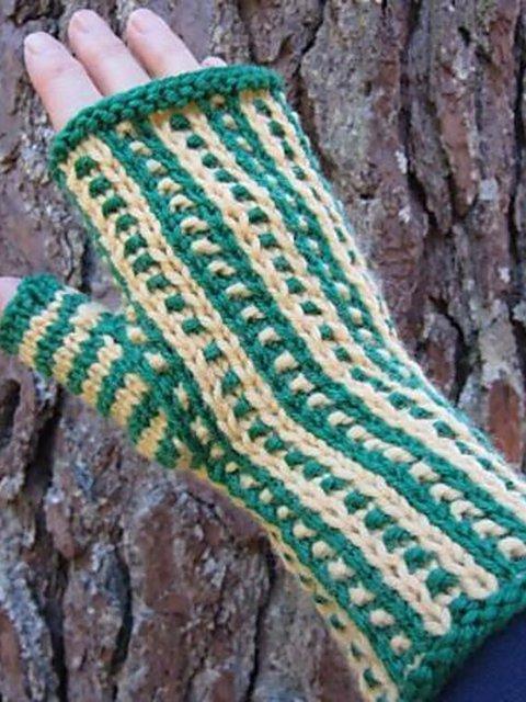 Green Casual Plain Gloves & Mittens