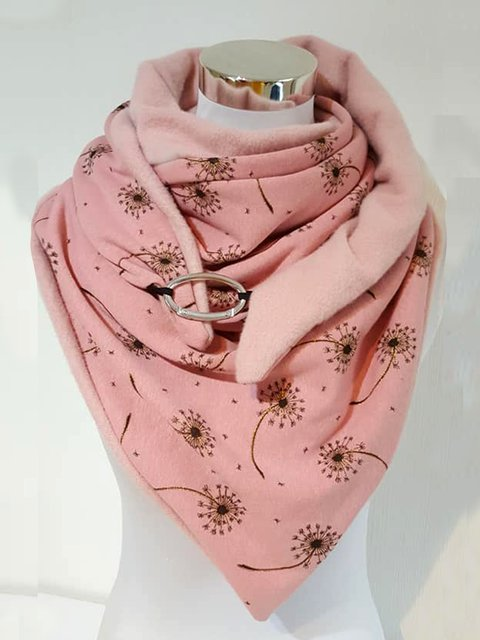 Warm and chic dandelion contrasting scarf