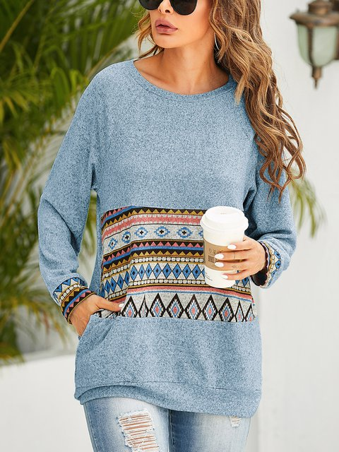 Printed Round Neck Long Sleeve Pocket Sweatershirt
