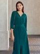 Green 3/4 Sleeve V Neck Solid Shift Dresses